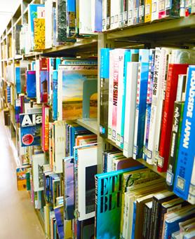 図書館 内部